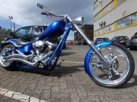Candyblaue K9 Custom Chopper Big Dog Motorcycles