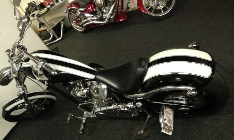Big Dog Motorcycles K9 black-white Chrom-schwarz 300 HR