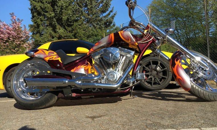 American Ironhorse Slammer gelb-metallic Lackierung