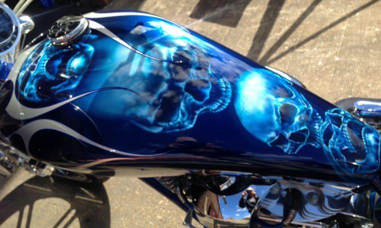 BigDog Pitbull Totenköpfe Candy-blau