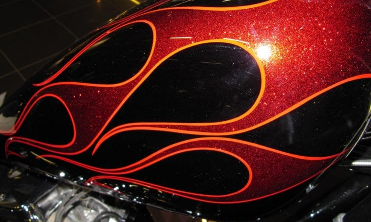 Big Dog Custom Chopper Candy-cristal Flammen