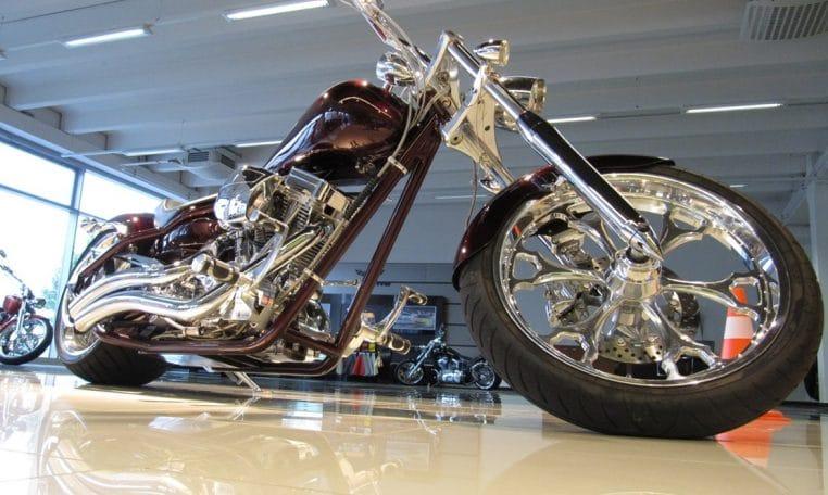 Big Dog Motorcycles Pitbull darkcherryred-Flammen