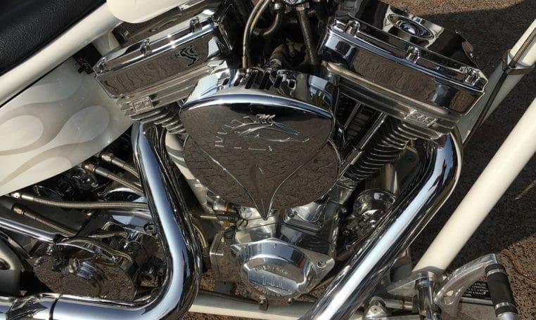 American Ironhorse Texas Chopper weißmetallic
